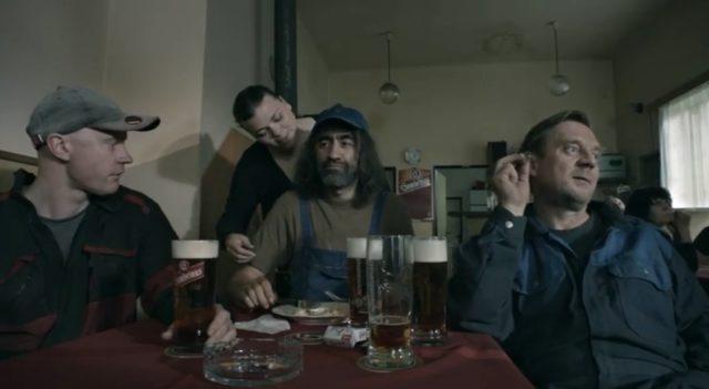 Přehrát online film Instalatér z Tuchlovic.